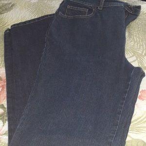 Ladies Gloria Vanderbilt dark blue jeans